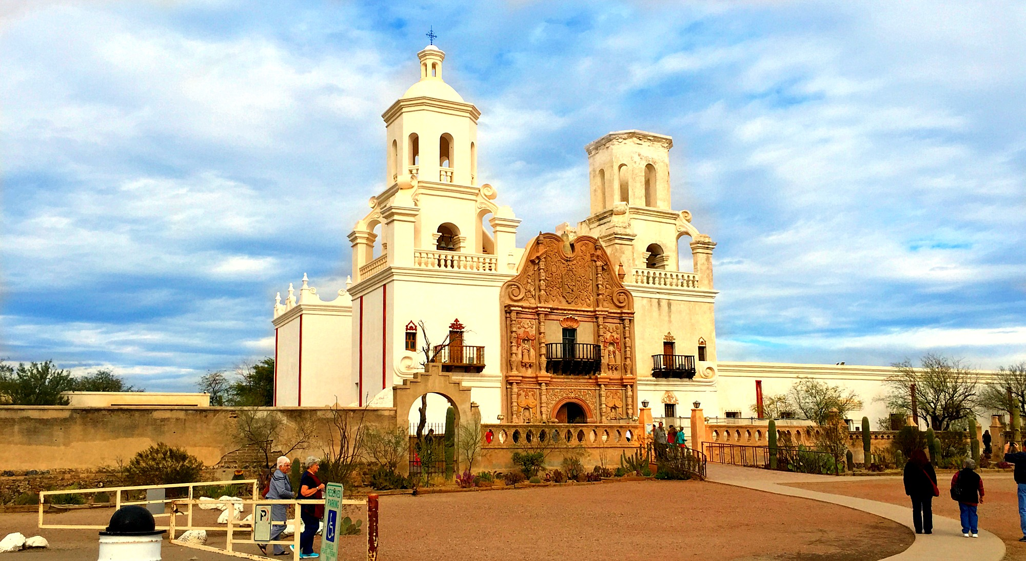 Mission San Xavier del Bac - The Traveling Sitcom