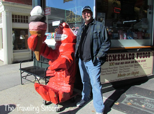 how to eat a lobster in bar harbor maine